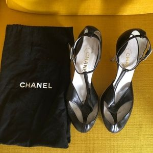 CHANEL Black Cut Out Leather Shoes *RARE*
